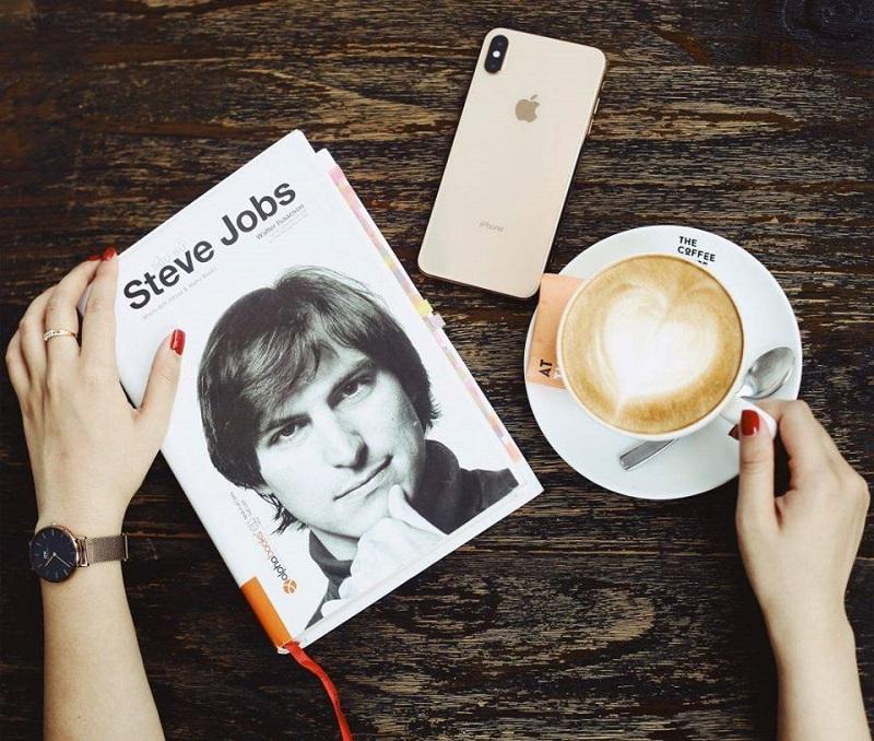 Review sách Tiểu Sử Steve Jobs
