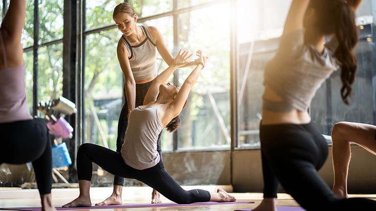 Review sách Yoga Tinh Thần & Thể Chất