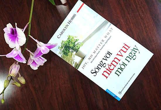 Review sách Sống Với Niềm Vui Mỗi Ngày