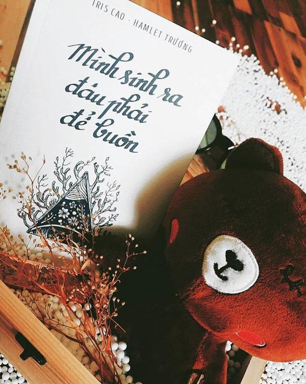 Review sách Mình Sinh Ra Đâu Phải Để Buồn