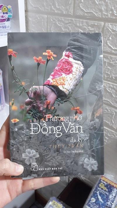 Review sách Thương Nhớ Đồng Văn